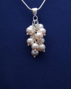 Přívěsek s perlami PVP001
