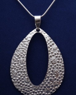 Stříbrný přívěsek PVS010