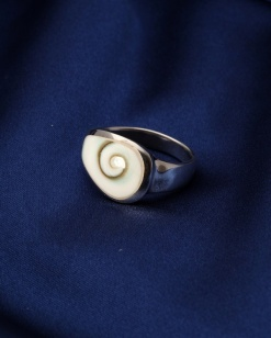 Stříbrný prsten s perletí PB011
