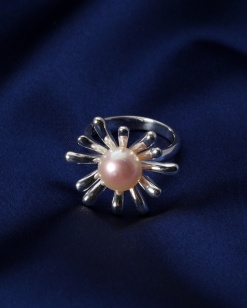 Stříbrný prsten s perlou PP006