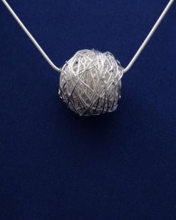 Stříbrný přívěsek PVS038