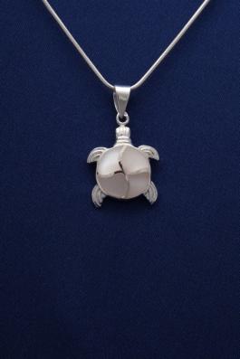 Stříbrný přívěsek s perletí PVB003