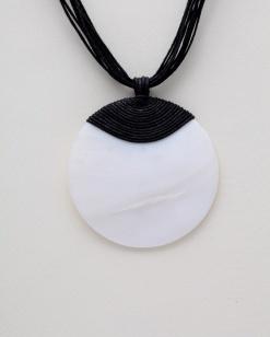 Perleťový náhrdelník NHB010