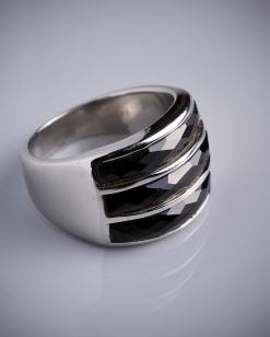 Stříbrný prsten s onyxem PK002