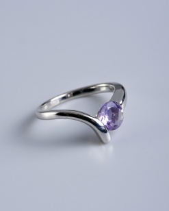 Stříbrný prsten s ametystem PK013