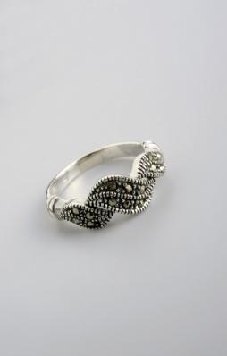 Stříbrný prsten s markazitem PM013
