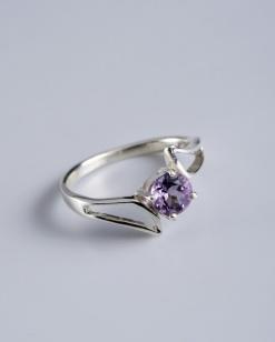 Stříbrný prsten s ametystem PK008