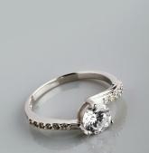Stříbrný prsten s kubickými zirkony PK047