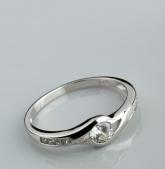 Stříbrný prsten s kubickými zirkony PK050