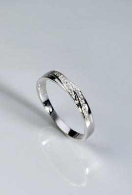 Stříbrný prsten s kubickými zirkony PK054