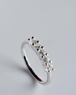 Stříbrný prsten s kubickými zirkony PK061
