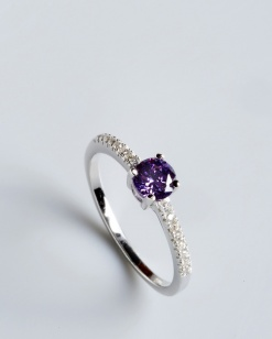 Stříbrný prsten s kubickými zirkony PK062