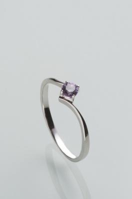 Stříbrný prsten s ametystem PK067