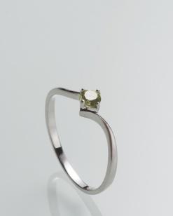 Stříbrný prsten s olivínem PK070