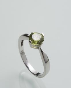 Stříbrný prsten s olivínem PK079